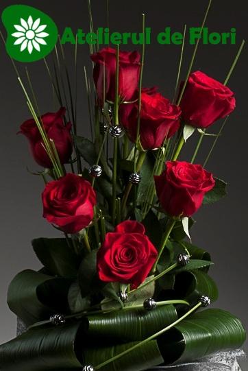 flori 8 martie 2013 trandafiri rosii