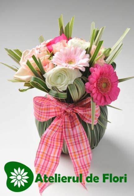 Flori pentru 8 martie 2013