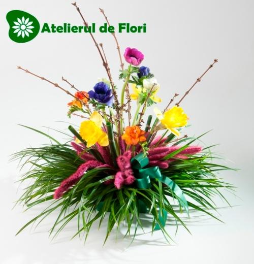 aranjament cu flori de primavara