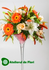 aranjament floral portocaliu crem
