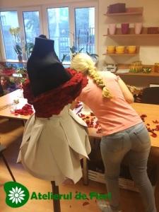 cum se face rochie din flori