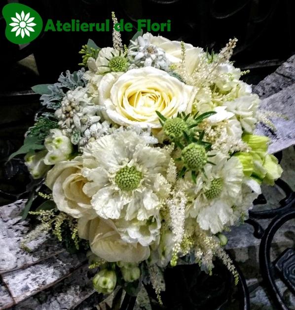 buchet de mireasa alb cu floare de colt