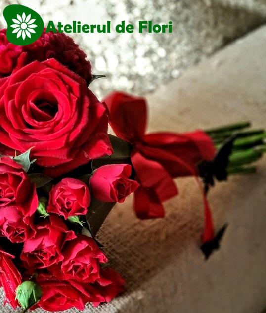 Buchet de mireasa flori rosu cu negru
