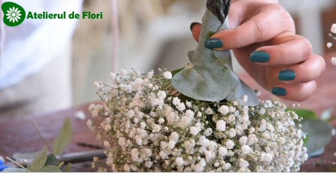 Cum fac un buchet de floarea miresei